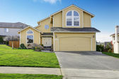 House exnterior with garage. View from driveway — Foto Stock