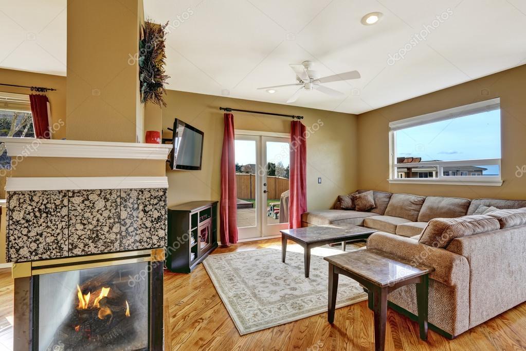 soggiorno ponte rosso vista del soggiorno con divano beige tavoli in ...