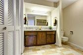 Bathroom interior with modern vanity cabinet — Stock Photo