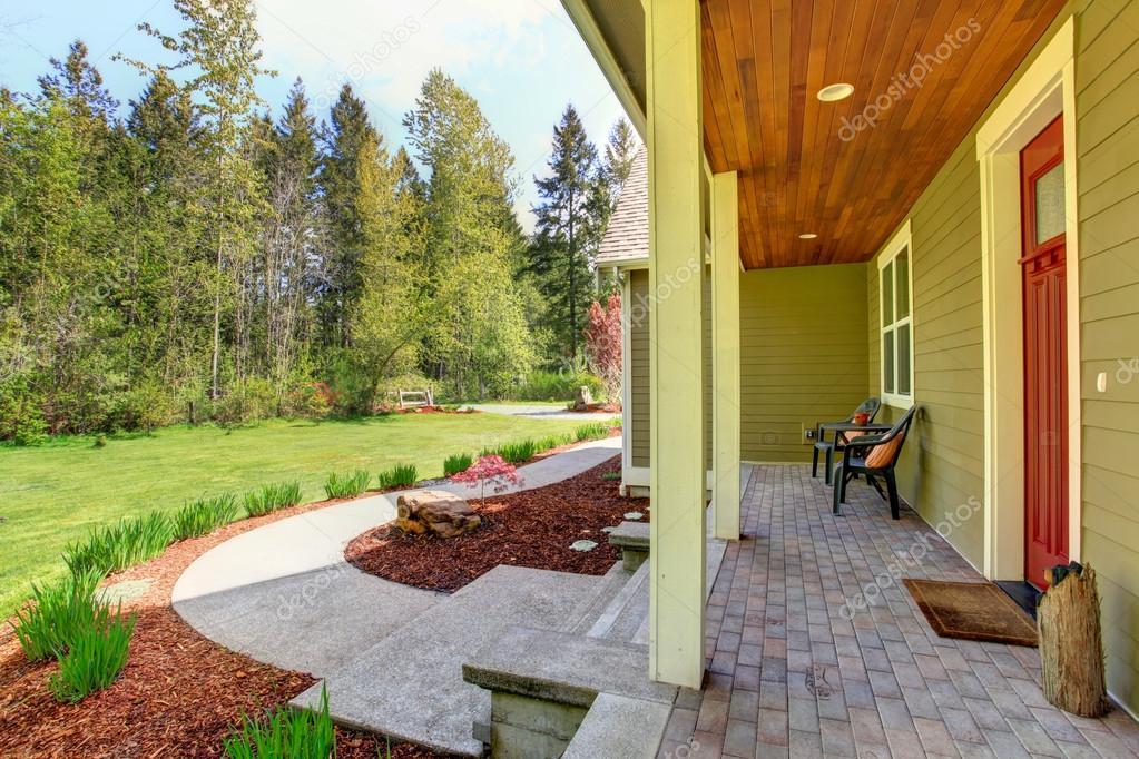 Esterno di casa di campagna mostra di portico d 39 ingresso - Ingresso casa esterno ...