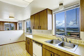 Kitchen room with view of Gig Harbor bridge — Stock Photo