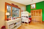 Sala de niños brillantes con desvan — Foto de Stock