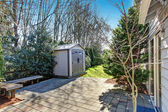 House backyard with small shed — Foto de Stock