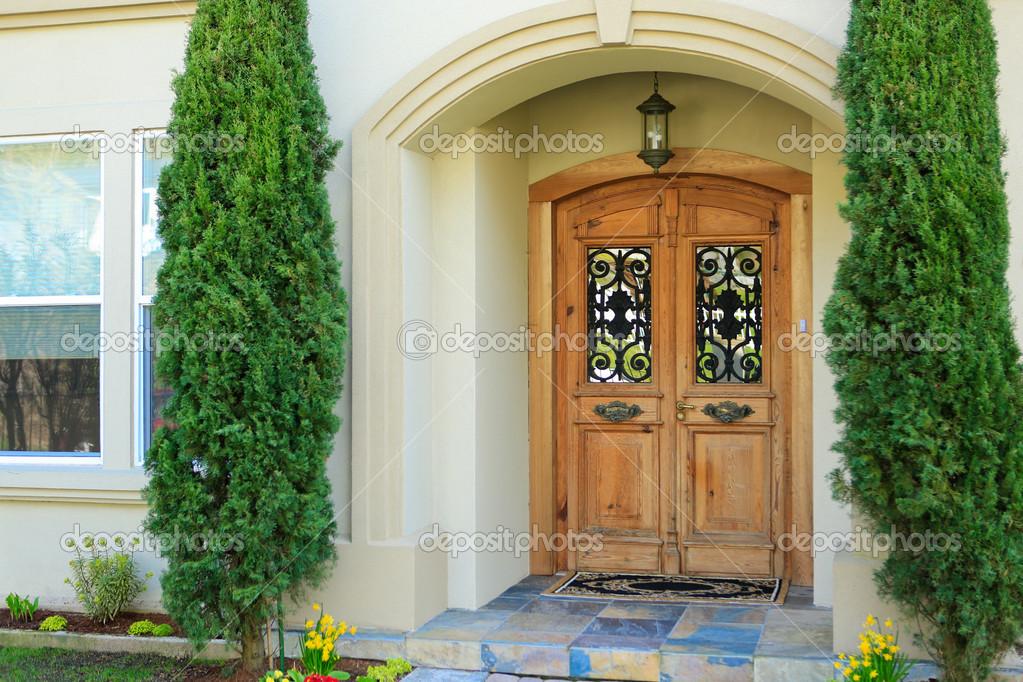 Portico dingresso casa di lusso — foto stock © iriana88w #50894841