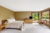 Camera da letto con mobili in legno set — Foto Stock