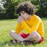 Hispanic Child Praying Outdoors — Stock Photo
