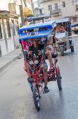 Bici такси: популярные транспорта на кубе — Стоковое фото