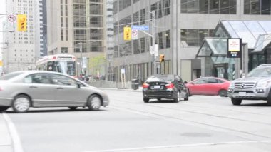 Downtown Toronto Transportation Scenes, important intersection — Stock Video