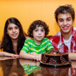 Siblings together in a birthday celebration — Stock Photo