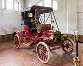 Old Cars Exhibition at Casa Loma — Stock Photo