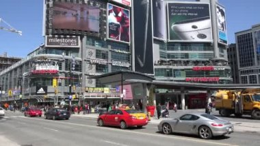 Dundas Square in downtown Toronto — Stock Video