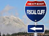 фискального обрыва дорожный знак — Стоковое фото