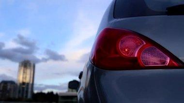 Flashing orange blinker light on rear lamp — Stockvideo