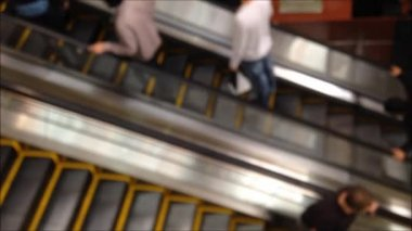 Out of focus escalator — Stock Video