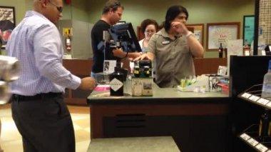 Shoppers inside BC liquor store — Stock Video