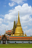 Emerald Buddha temple in Bangkok — Stock Photo