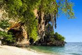 Phra Nang beach and cave at Railay — Stock Photo
