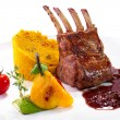 Rack of lamb with vegetables and couscous - 图库照片