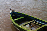 Gamla sjunkande båt — Stockfoto