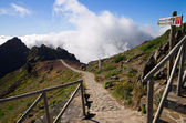 Pico do Areeiro hiking trail sign, Madeira — Stock Photo