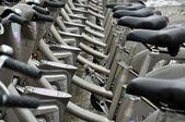Wypożyczalnia rowerów publicznych w paryżu — Zdjęcie stockowe