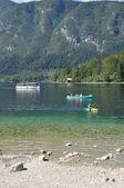 Jízda na kajaku na jezeře — Stock fotografie