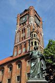 Nicolaus Copernicus monument in Torun, Poland — Stock Photo