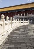 Kamienny chodnik prowadzący do świątyni — Zdjęcie stockowe