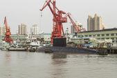 Chinesischen u-bootes angedockt — Stockfoto