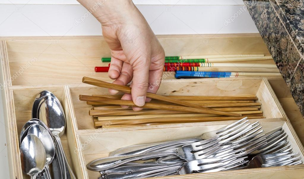 organisateur tiroir cuisine — photographie tab62 © #17970971