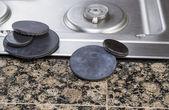 Manutenzione di coperture bruciatore stufa — Foto Stock