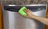 Wiping Clean Dishwasher with Microfiber rag — Foto de Stock