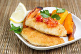 Fish with salsa sauce and Yam Chips  — ストック写真
