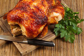 Traditional Oven Roasted Chicken on Wooden Serving Board — Foto de Stock