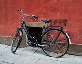 Velha bicicleta — Fotografia Stock