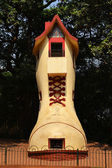 The Giant shoe in Hanging Gardens, Mumbai, India — Stock Photo