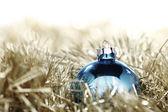 Bola de natal azul — Foto Stock