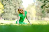 Woman enjoy nature — Stock Photo