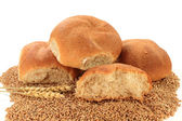 Raw Wheat Kernels, Wheatears and Whole Wheat Buns — Stock Photo