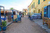 Restaurants open early on Goree Island — Stockfoto