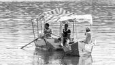 Yount men on Babugaya lake — Stock Photo