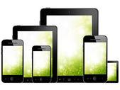Tablet pc en mobiele telefoon — Stockfoto