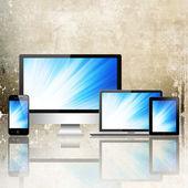 Notebook, handy, tabletpc und computer — Stockfoto
