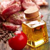 Carne con tomate y aceite — Foto de Stock