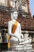 お座り仏の彫刻 — ストック写真