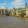 The river Thames with London Bridge — Stock Photo