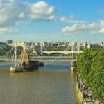 Jubilee Bridge in London in the river Thames — Stock Photo