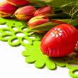 Easter decoration and tulips — Stock Photo