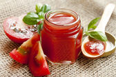 Fresh tomato sauce with basil — Stock Photo