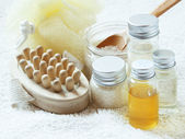 Spa Settlement with Essential Oil Bottles — Stock Photo